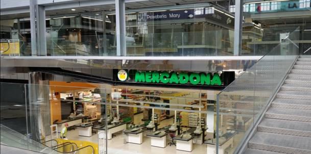 Mercadona abre un supermercado en el mercat del ninot for Oficinas mercadona barcelona