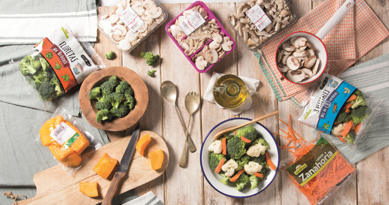Mesa con frutas, verduras y hortalizas de Mercadona